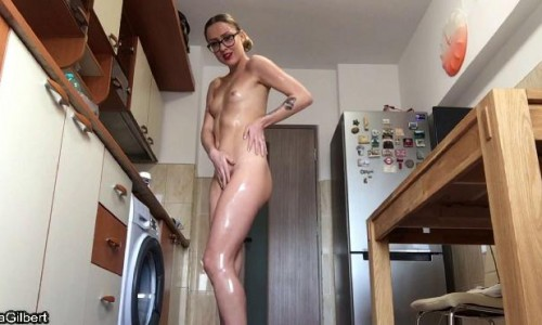 Ella Gilbert - Oily Fisting On My Kitchen Floor Jade Filth