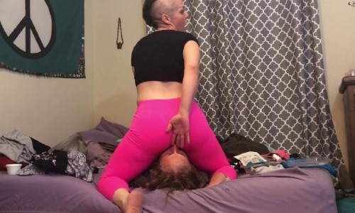 sister farts on slave brothers face hd nikki`s naturals