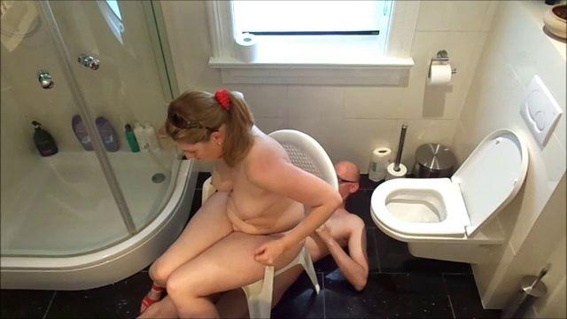 Mariska New Toilet Chair II