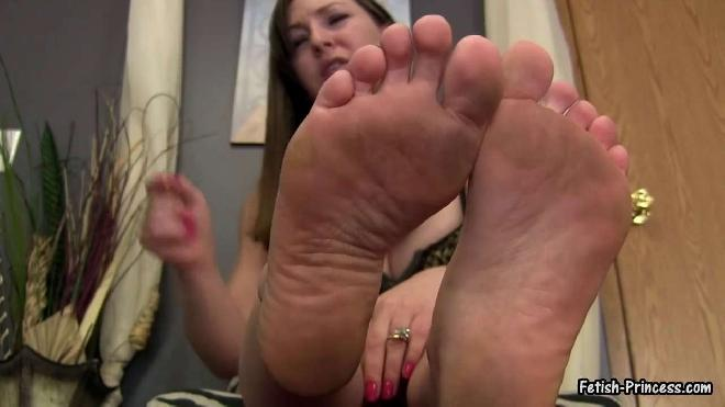 Fetish Princess Kristi Degrades And Humiliates Losers With Her Dirty Feet Princess Kristi Kinky Kristi