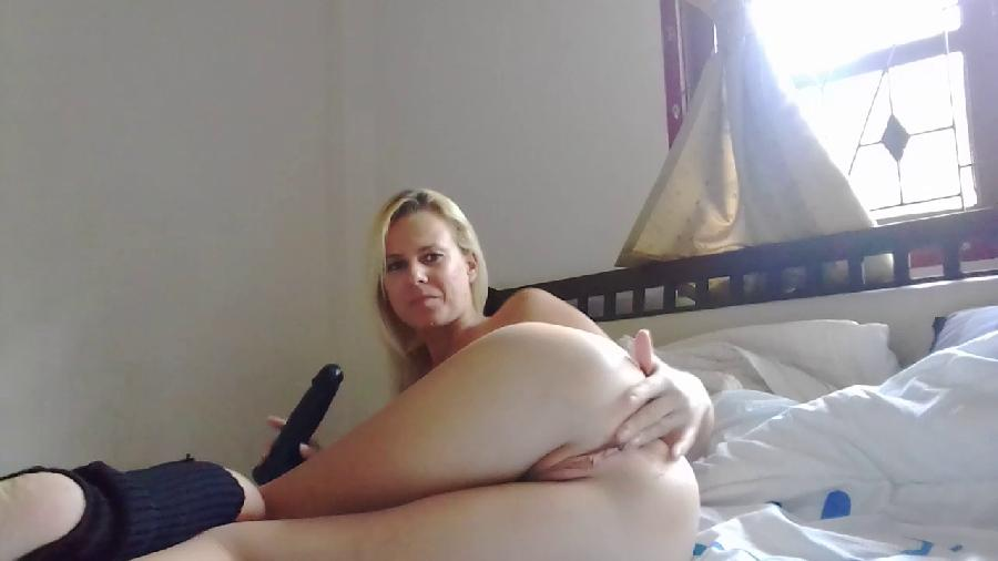 anal stretching and loud farts missanja